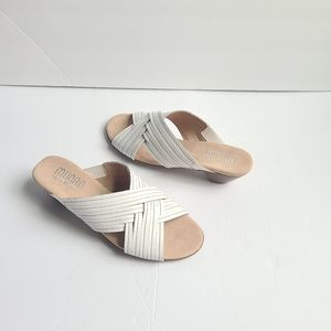 NEW MUNRO AMERICAN kelsey white leather sandals